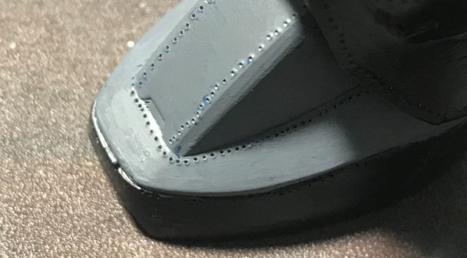 【HGUC】MS-05 旧ザク(リベット打ちに筆塗りしたら塗膜が厚くなって穴はつぶれないのかについて。。。)